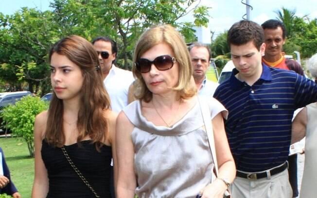 Zélia Cardoso de Mello e os filhos que teve com Chico Anysio, Vitória e Rodrigo