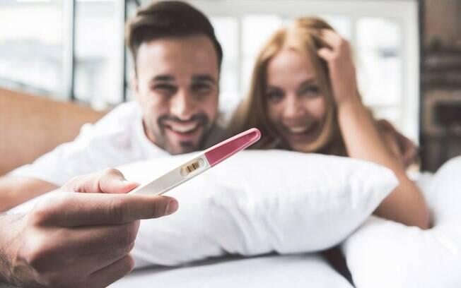 Para cientistas, a resposta de como engravidar mais fácil está em fazer sexo às 7h30 da manhã  entre março e maio