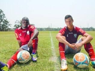 Estrangeiros. O atacante Santiago (à esq.) e o zagueiro Gustavo estavam no Atletico Huila, da Colômbia, antes de virem para o América