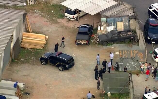 Carros clonados foram abandonados na região do Jardim Pantanal, zona leste de São Paulo