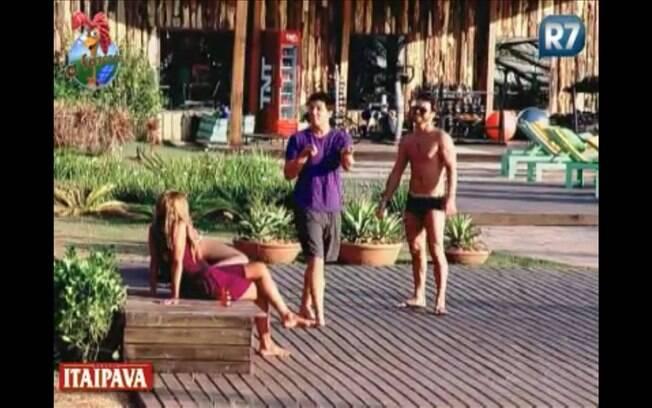 Thiago dá idéia de troca de roupas entre meninos e meninas na terça-feira (20)