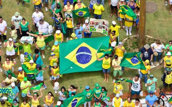 Manifestação em Salvador foi organizada pelo movimento Vem Pra Rua. Foto: Fabio Bouzas/Futura Press - 13.03.16