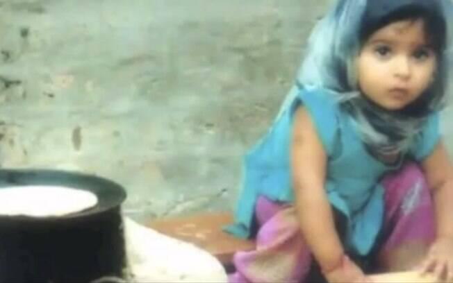 Trabalho infantil: segundo a OIT, 7,4 milhões de crianças na mesma faixa etária estão envolvidas no trabalho doméstico. Foto: Reprodução/Youtube