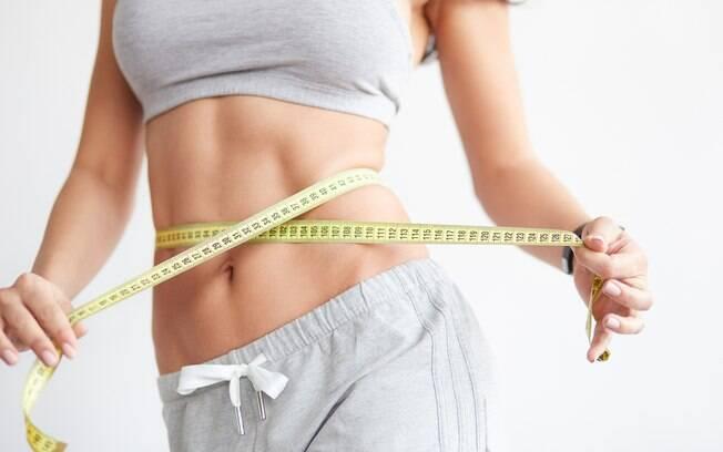 Treino para queimar gordura proposto segue o conceito do HIIT e pode ser feito em qualquer lugar