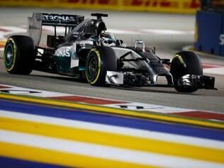 Lewis Hamilton acirrou a briga pela liderança do campeonato com Nico Rosberg