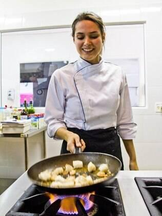 Fernanda Machado passou um mês cozinhando todos os dias para interpretar Mari no longa