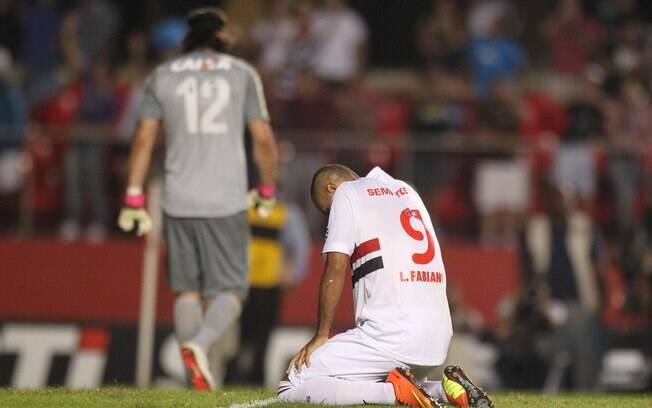 Luis Fabiano perdeu pênalti no Morumbi