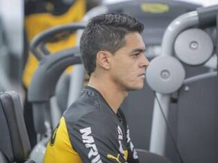 Josué aguarda posicionamento do DM alvinegro para saber se terá condições de enfrentar o América, no domingo