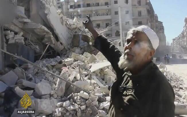 Mais de 275,000 civis, entre eles 100,000 crianças, estão presos nas áreas onde ocorrem os bombardeios na Síria