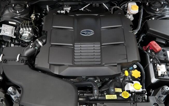 Com centro de gravidade mais baixo, o motor boxer ajuda a deixar o carro mais ágil e silencioso