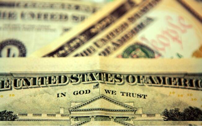 Banco Central (BC) mantém estratégia de swap cambial (venda de dólares no mercado futuro)