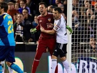Diego Alves defendeu penalidade que poderia ter mudado rumos da partida