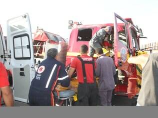 Sargento dos bombeiros ficou ferida e foi levada para o hospital João XXIII