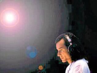 Na noite.  Beto Múmia ficou conhecido por animar a danceteria Foccus
