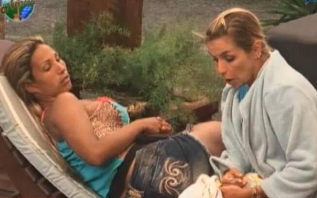 Anna Makun contou à Valesca Popozuda que vai tirar a mecha verde do cabelo