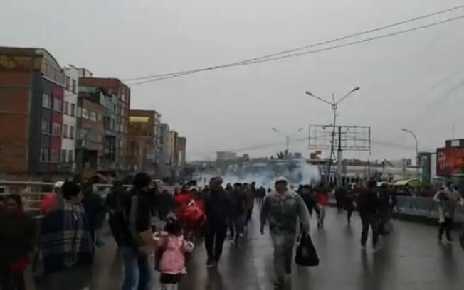Protestos vêm sendo violentamente reprimidos pela polícia