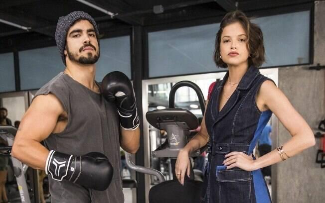 Rock (Caio Castro) e Jô (Agatha Moreira)