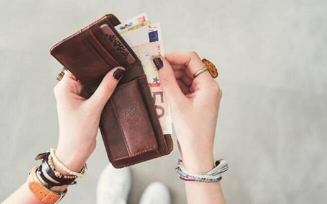 11 simpatias para atrair dinheiro para sua vida