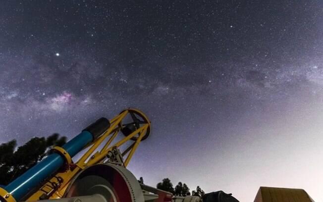 Chuva de meteoros Orionídeas terá pico nesta quarta-feira