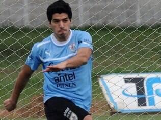 Luis Suárez é uma das esperanças de gol do Uruguai ao lado de Cavani e Forlán