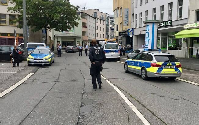 Ataque a facadas deixa pelo menos um morto e um ferido na Alemanha, um dia após atentado na Espanha