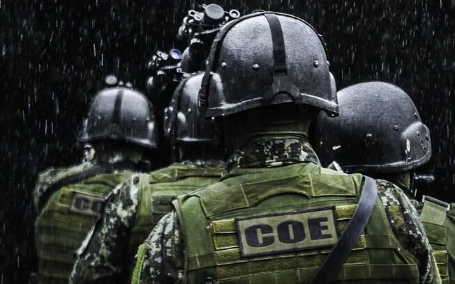 Treinamento de operações na selva: com frequência os Policiais do COE conduzem missões de busca e resgate de pessoas perdidas em locais longínquos e de difícil acesso