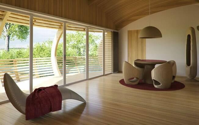 Podendo ter de 60 a 100 metros quadrados, a casa é feita de madeira e alumínio recicláveis e resistentes à água
