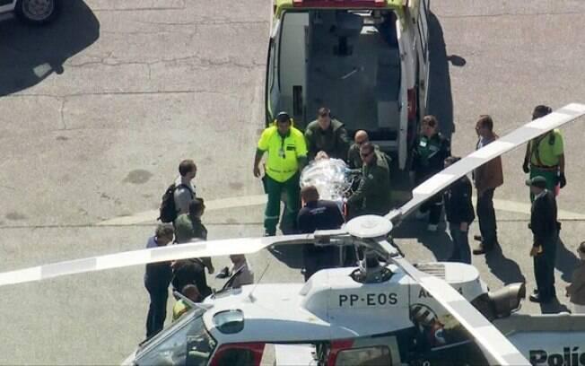 Jair Bolsonaro foi transferido para um helicóptero que vai levá-lo ao Hospital Albert Einstein, em São Paulo