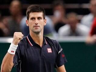 Djokovic se classificou para a decisão das finais da ATP ao vencer o japonês Kei Nishikori por 2 sets a 1