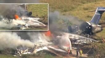 Avião com 21 pessoas a bordo cai a caminho de jogo de beisebol