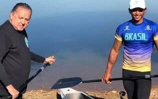 Galvão Bueno sofre acidente em aula de canoagem com Isaquias Queiroz