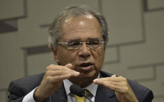 Antes da pandemia de Covid-19, Paulo Guedes previa ser possível zerar o déficit em 2022, último ano do atual governo