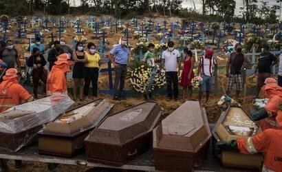 Brasil chega a 606.246 mortes por coronavírus desde 2020