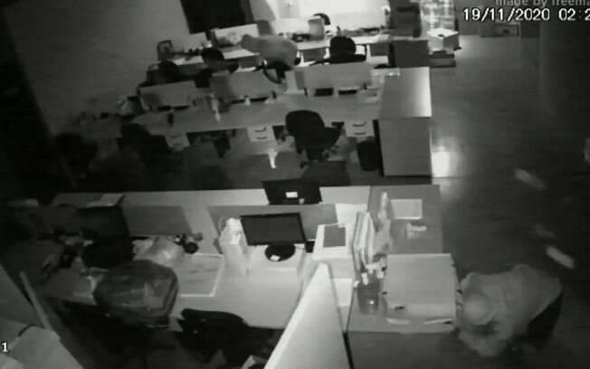 Polícia identifica quatro homens por série de furtos no Cambuí