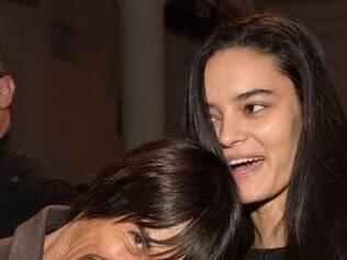 Modelo brasileira aparece com Anthony Kiedis