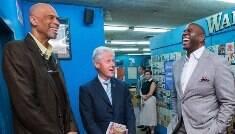 Bill Clinton tenta acalmar ânimos da convenção democrata