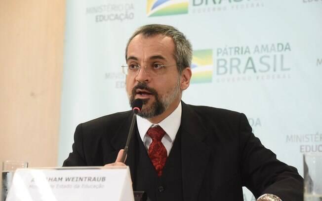 Ministro da Educação gravou vídeo para explicar diferença entre cortes e contingenciamento