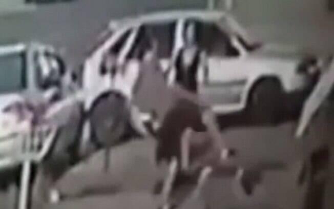 Homem agrediu mulher após desentendimento no trânsito