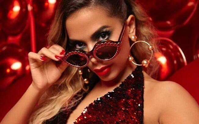 Anitta tem investido na carreira internacional, mas por aqui sua imagem anda desgastada