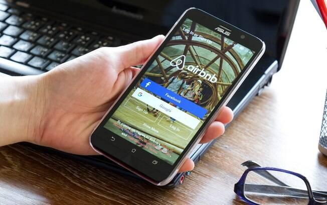 Airbnb é um dos aplicativos essenciais para quem gosta de viajar