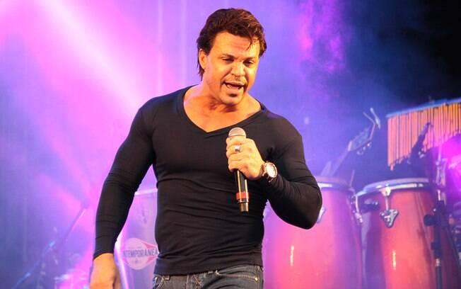 Resultado de imagem para cantor Eduardo Costa