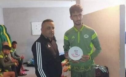 Jogador morre subitamente em partida no Marrocos; assista
