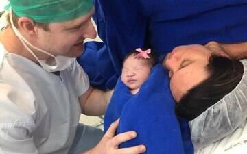 Pai pela primeira vez acompanha parto e supera trauma