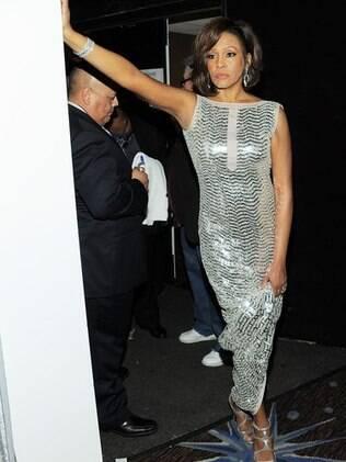 Whitney Houston em uma das festas pré Grammy em 2011: recuperada, mas sem dinheiro