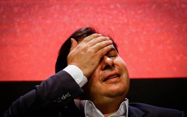 Viagem de Rodrigo Maia deve atrasar reação da Câmara ao decreto das armas