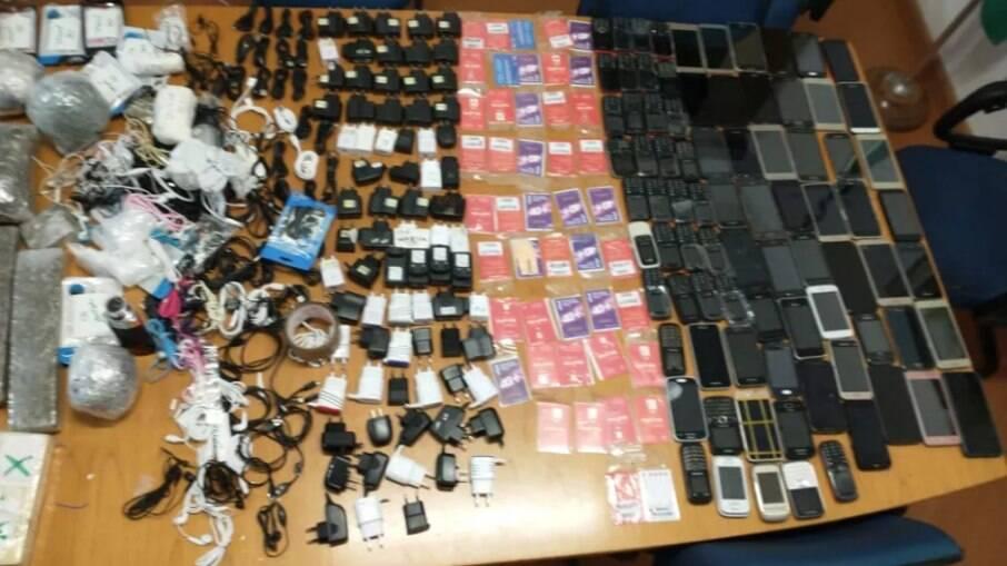 Penitenciária do Tremembé é invadida por 'ninjas' com armas, celulares e drogas