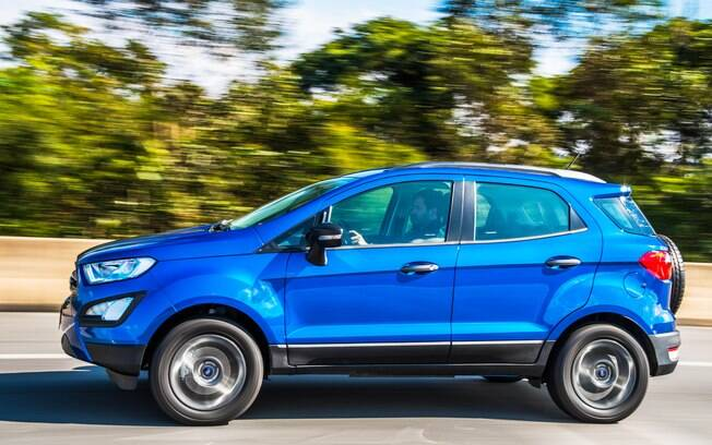 SUV vem com controle eletrônico de estabilidade e sistema anticapotamento de série, mas é bom ter cautela nas curvas