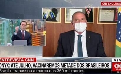 Jornalista da CNN confronta ministro de Bolsonaro ao vivo
