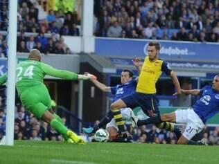 Olivier Giroud garantiu o empate do Arsenal com gol aos 45 da etapa final