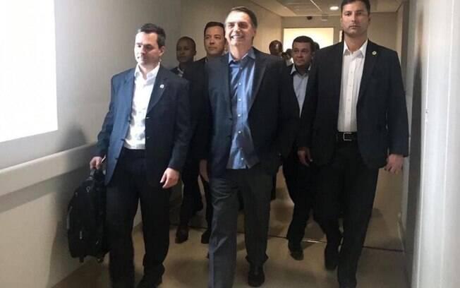 Presidente Jair Bolsonaro elogiou o Ministério da Saúde por ocupar as vagas do Mais Médicos